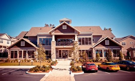 The Woodlands Apartments The Woodlands Of Gainesville Is One Of The Best Student Housing Apartment Commun Woodland Apartments Apartment Communities Apartment