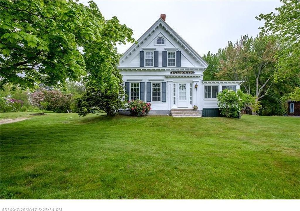 7 Stunning Homes for Sale in Maine Maine house, Maine