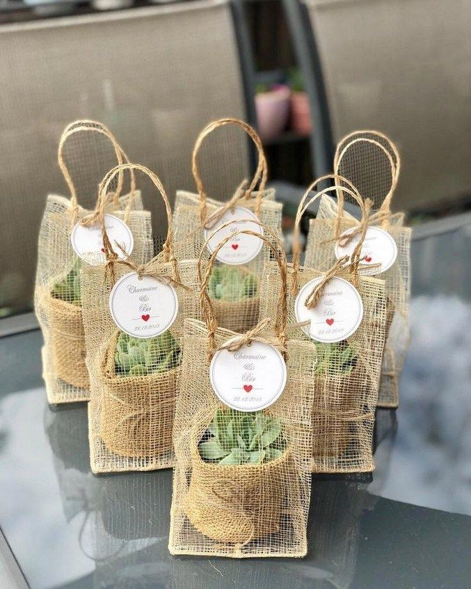 50 Cute Wedding Ideas That Are In Trend Weddingideas Weddingdecoration Weddingtrends Simple Wedding Favors Simple Wedding Decorations Wedding Gift Favors
