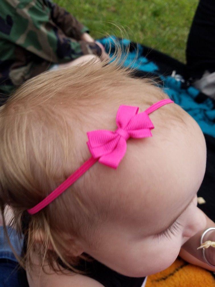 Britta - Infant Bow - Baby bow - Small Baby bow - Baby Bow Headband ... 74004777b7e