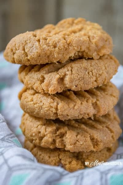 These low carb peanut butter cookies are easy to make only use 5 ingredients and are one of the best kept peanut butter cookie recipes Soft and filled with peanut butter...