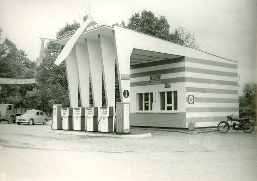 Polskie stacje paliw w XX wieku