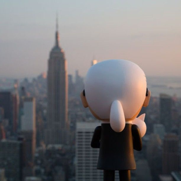 Choupette and Karl Lagerfeld at The Empire State Building #karlxtokidoki