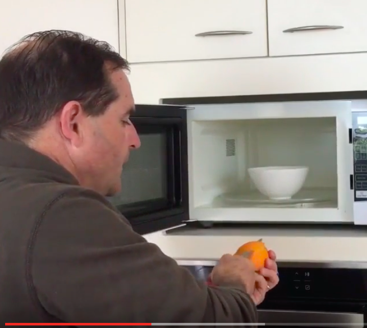 5 Easy Ways To Get Burnt Smell Out Of A Microwave Oven