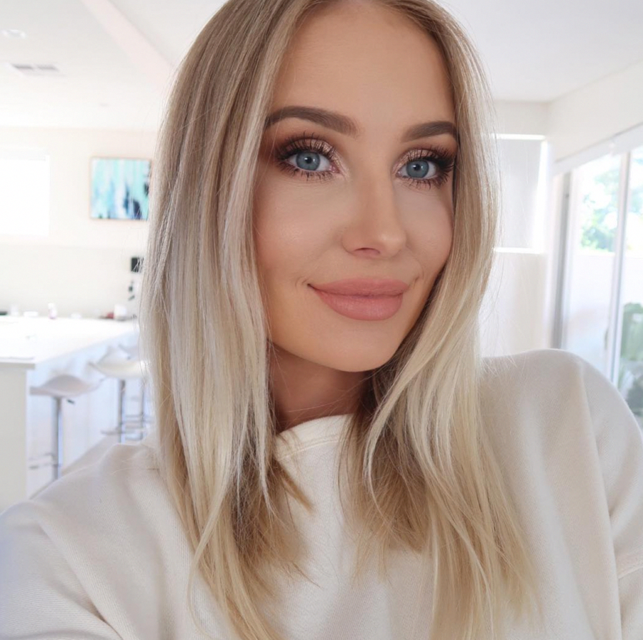 Love this naturalmakeuptutorials Blonde hair blue eyes