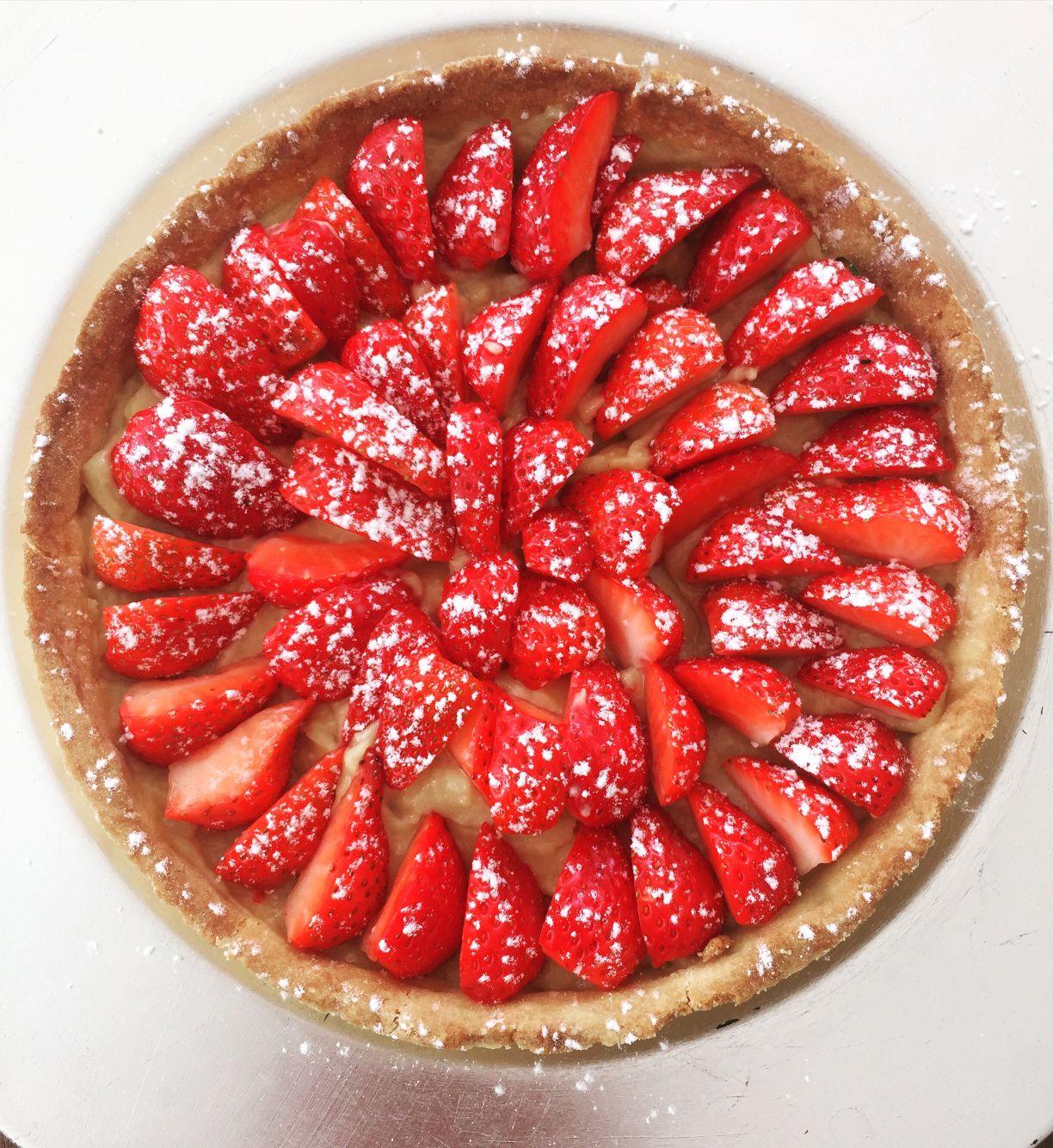 Tarte aux fraises - crème pâtissière et pâte sablée maison☺️