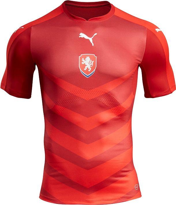 Puma lança nova camisa titular da República Tcheca - Show de Camisas ... d3ee965cbbbe0