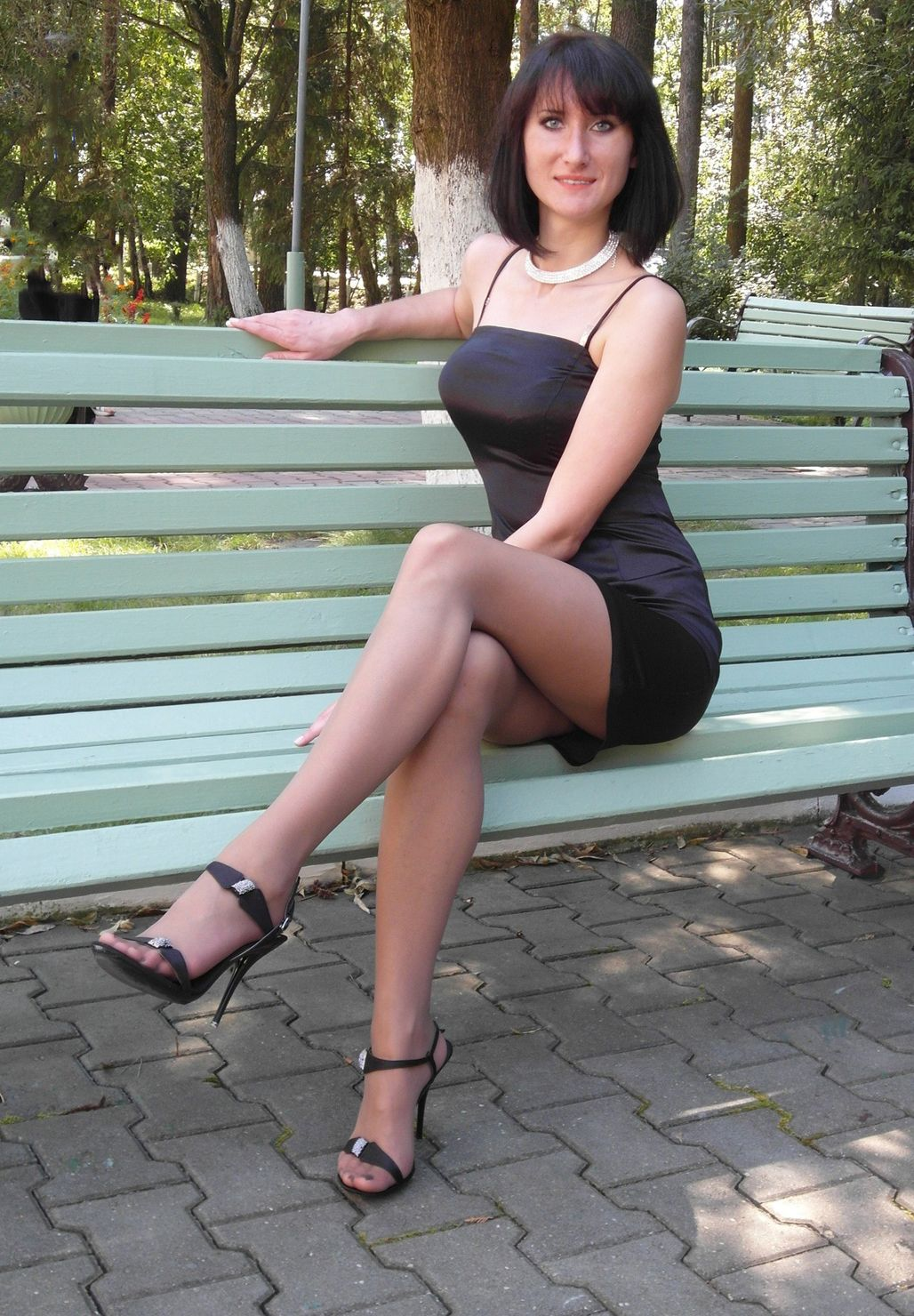 Pics of women wearing pantyhose