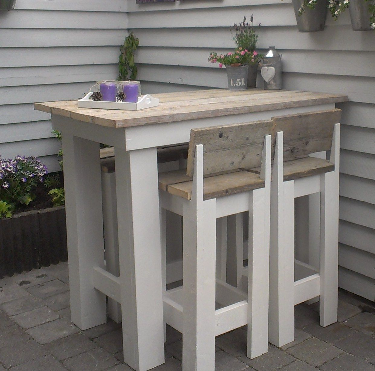 pallet or recycled wood high bistro table 4 bar type stools i