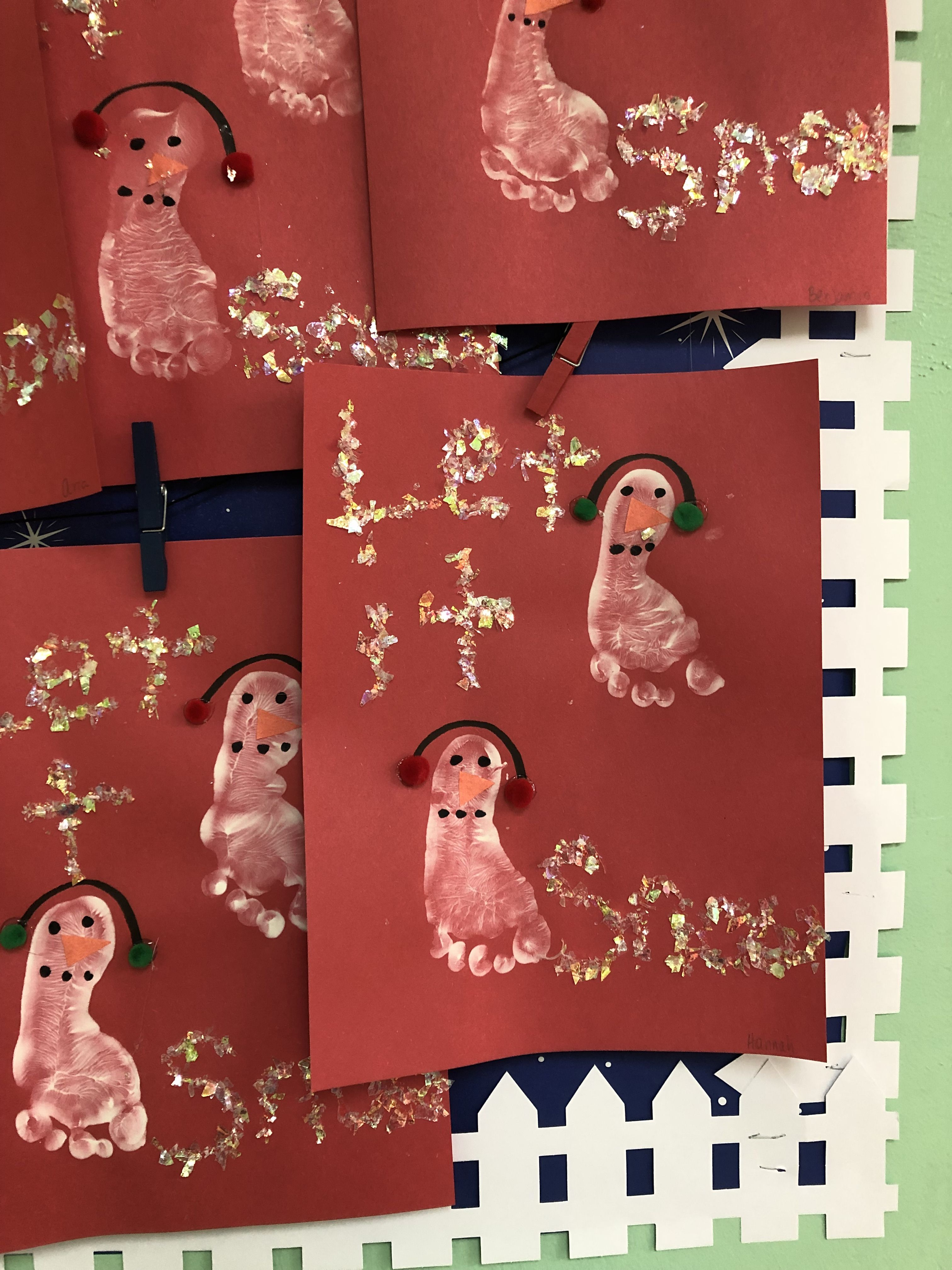 Footprint snowmen in 2020 Art for kids, Holiday decor