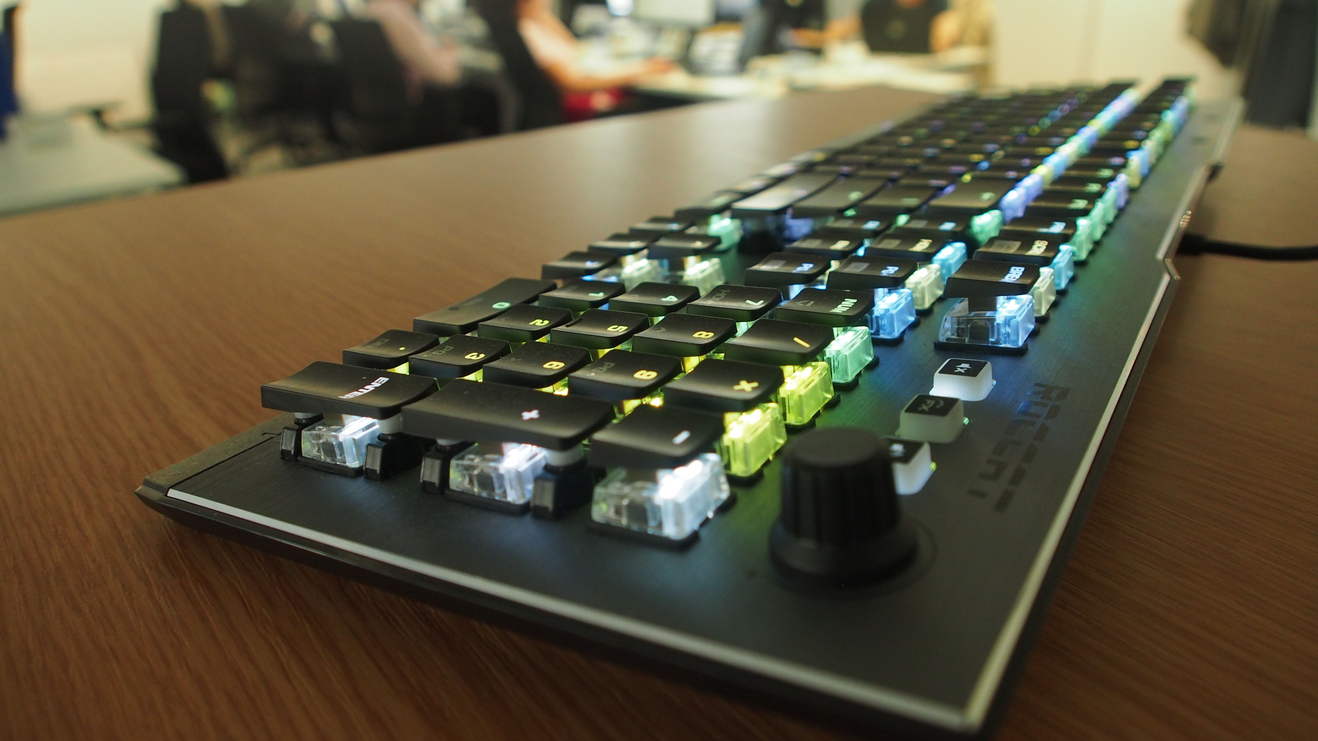 Roccat Vulcan 120 AIMO   Keyboard lessons, Piano music, Piano lessons
