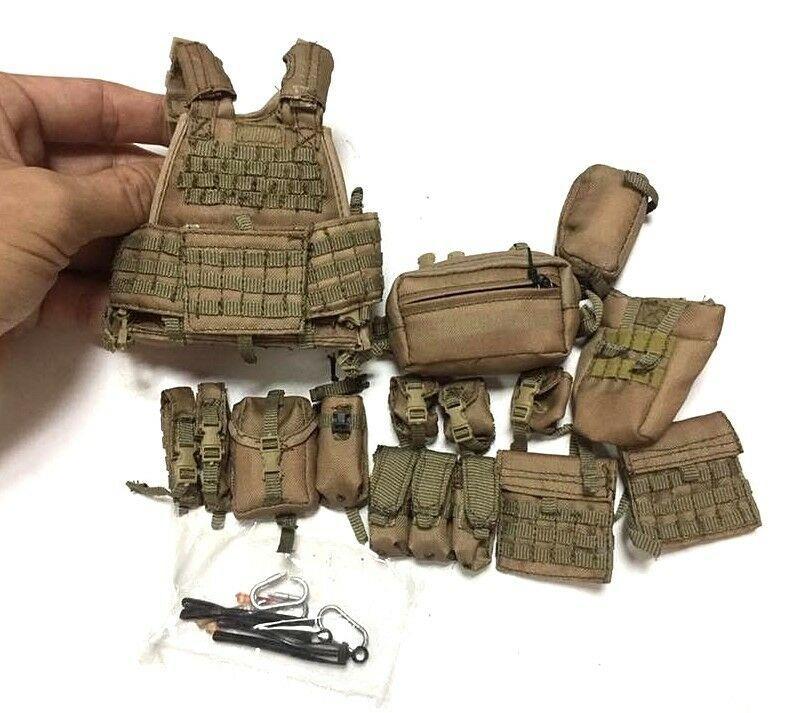1//6th Scale Hot Toys Tan Assault Vest w//Pouches