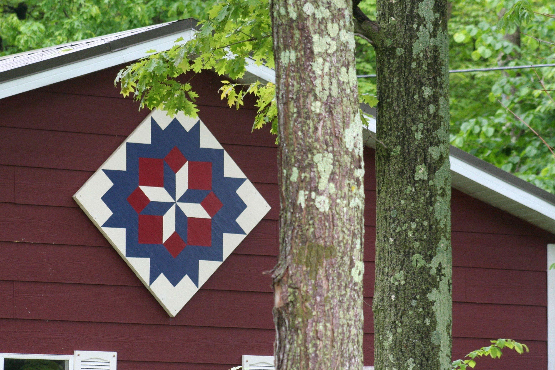 Quilt Barn In Door County Wisconsin Painted Barn Quilts Barn Quilts Barn Quilt