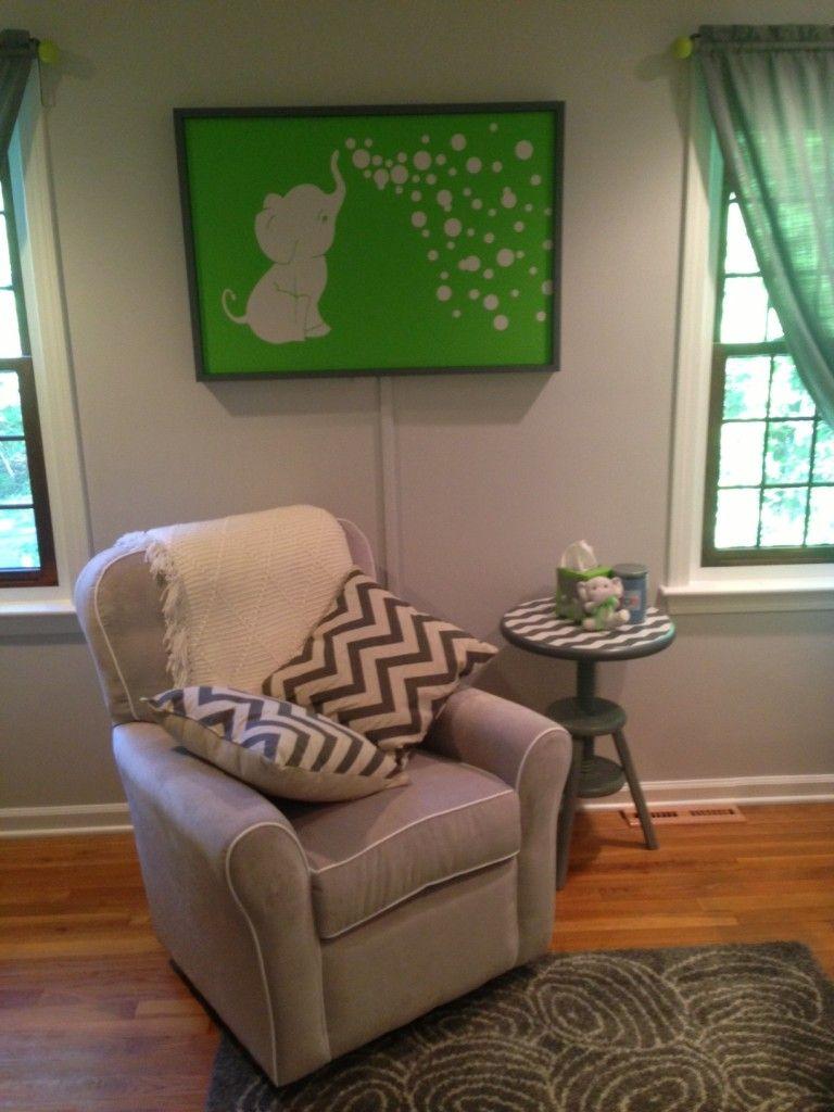 Kellan\'s Gray and Lime Green Elephant Nursery   Números y Bebé