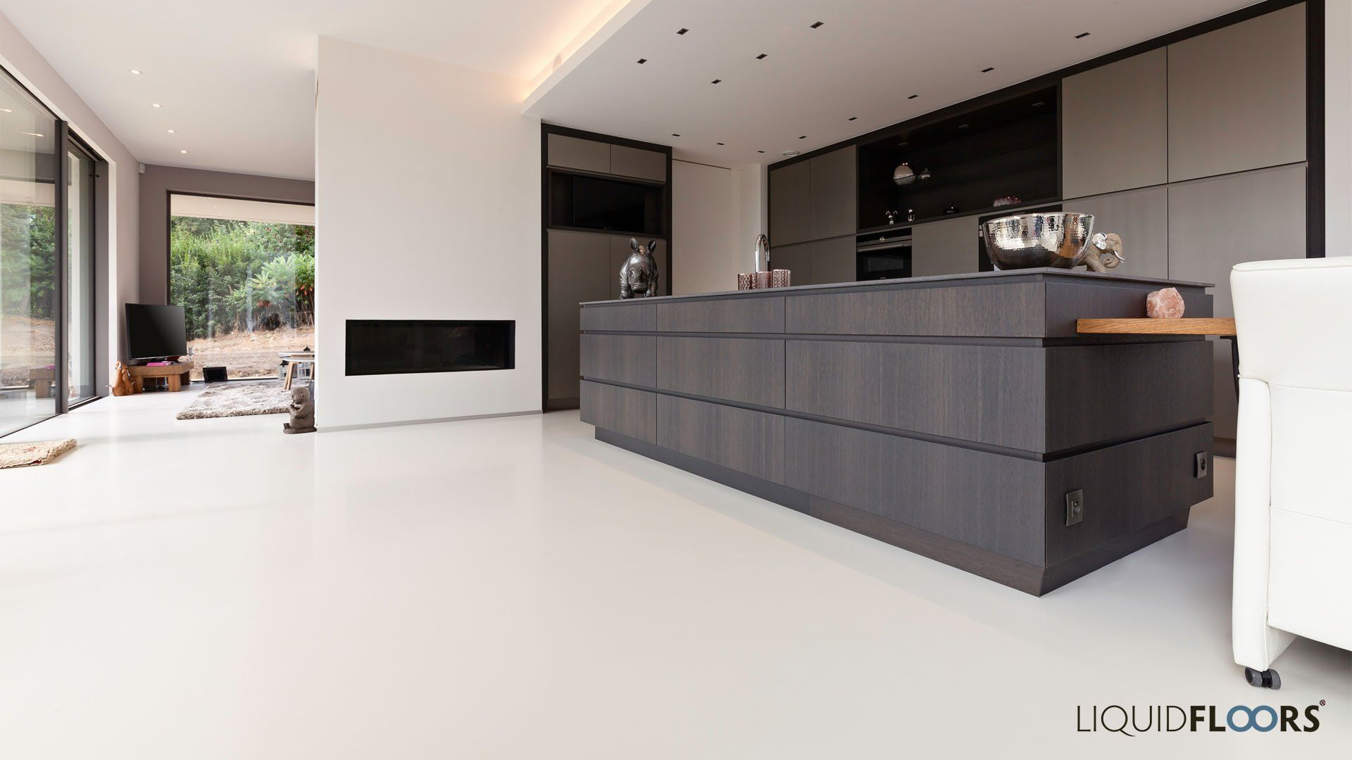 Keuken Modern Open : Open keuken met houten kookeiland in warmgrijze gietvloer modern