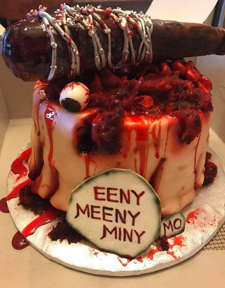 Magnificent Walking Dead Lucille Cake 201 Airbrushed Marshmallow Fondant Personalised Birthday Cards Epsylily Jamesorg