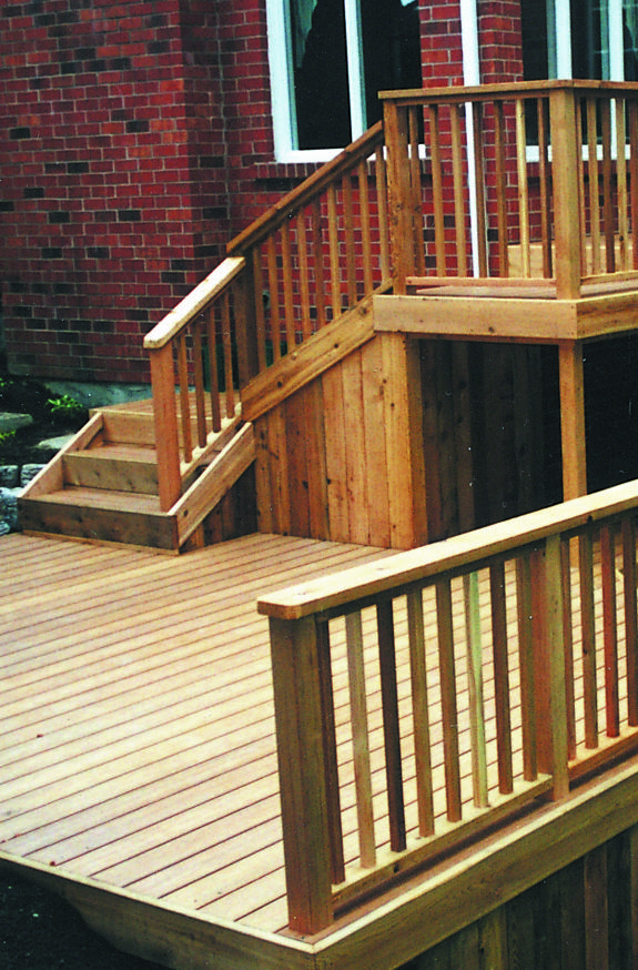 The Warm Tone Natural Grain And Unique Texture Of Western Red Cedar Decking Are Unmatched Resistant To Both Curb Appeal Western Red Cedar Building Materials