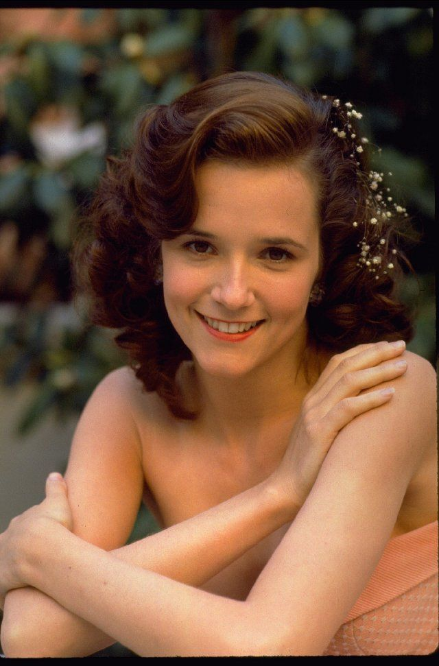Lea Thompson In Back To The Future Such A Beautiful Look With The Babys Breath And That Peach Dress