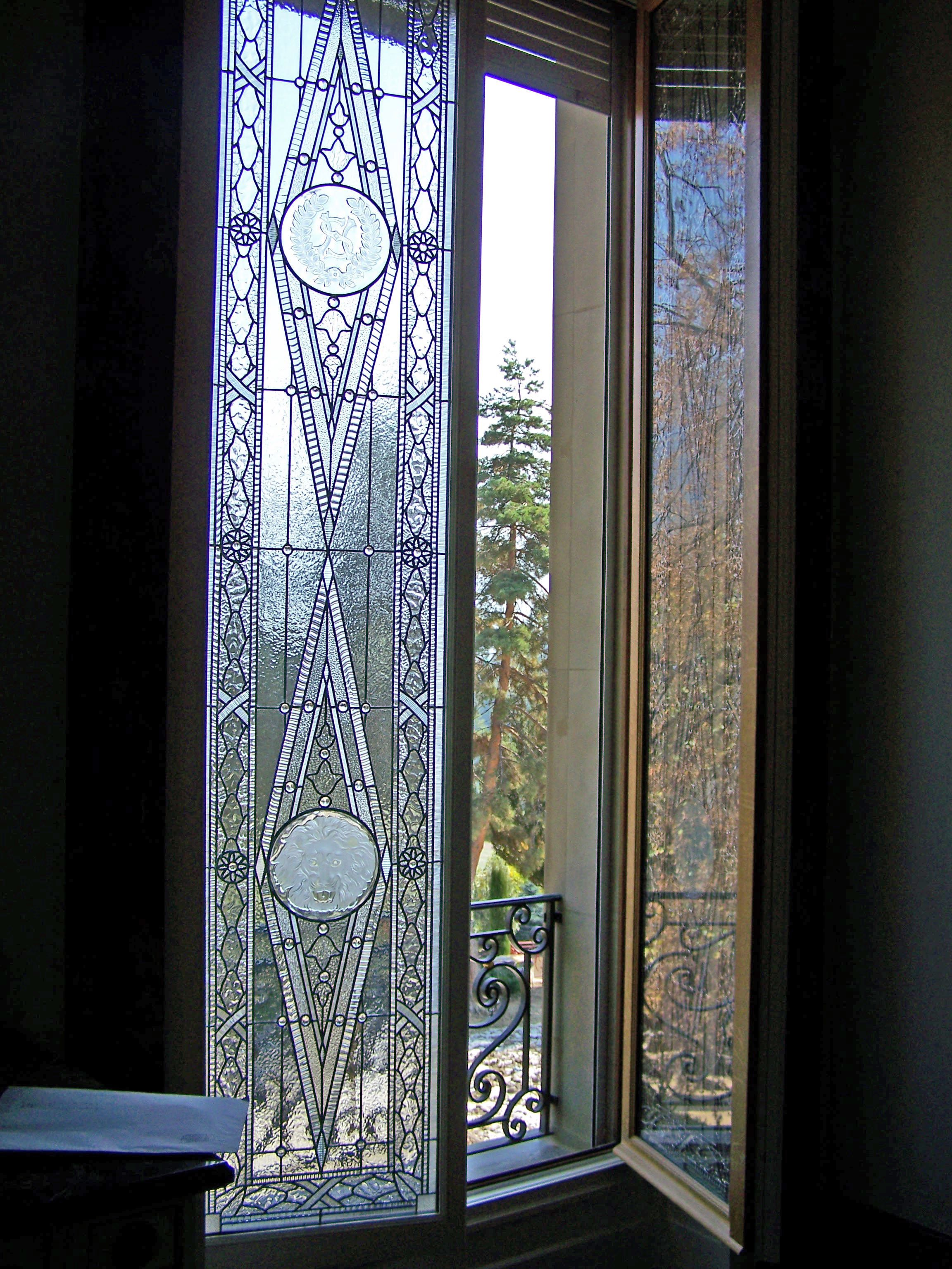 stained glass window by france vitrail international. Black Bedroom Furniture Sets. Home Design Ideas