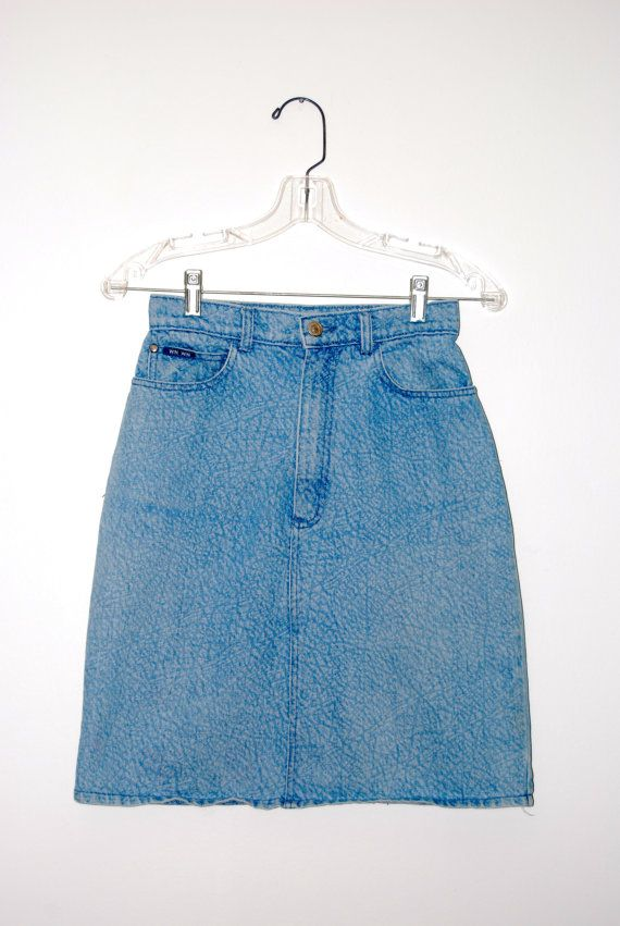 1980s Vintage High Waisted Acid Washed Denim Mini Skirt Size 26