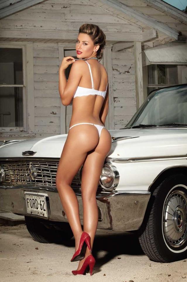 Nude norweigan women