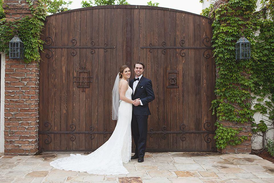 Rustic-wedding-at-the-villa-san-juan-capistrano-bride-and-groom