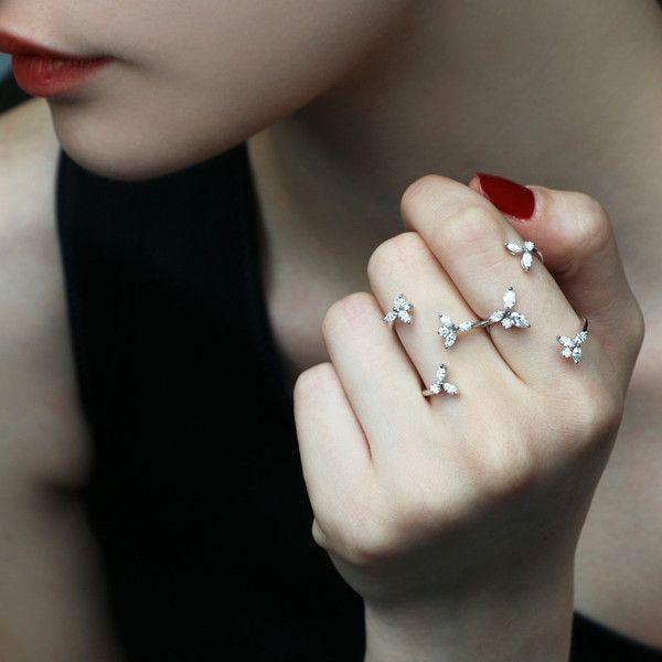 Yeprem Floral Diamond Double-Finger Ring YFERMbTf