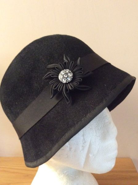 Black peach bloom felt cloche BY HELEN TILLEY #millinery #hats #HatAcademy