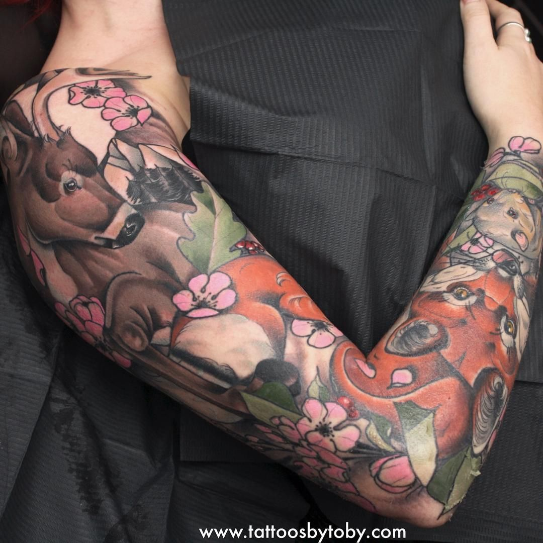 1754ac662 Another angle of Amy's woodland animal sleeve. Would love to get some more  sleeves or
