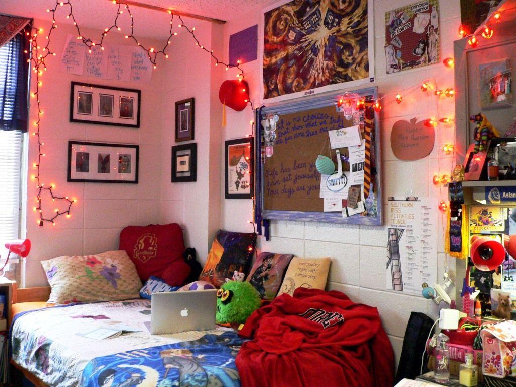 Her Campus Dorm Room Wall Art Dorm Room Crafts Dorm Room Walls