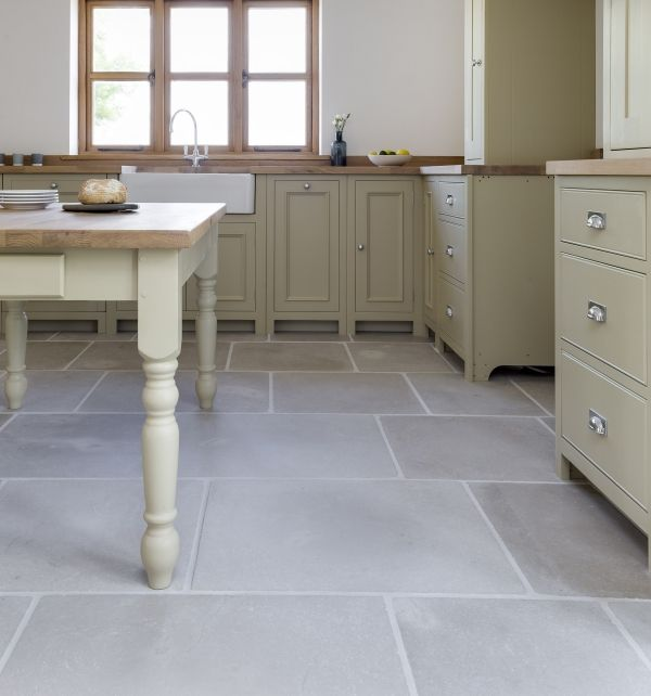 eiffel grey limestone flagstones in the kitchen from ca' pietra