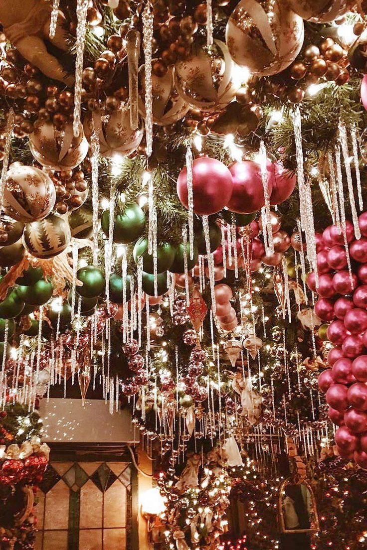 Rolfs Restaurant Christmas Decorations | New York City ...