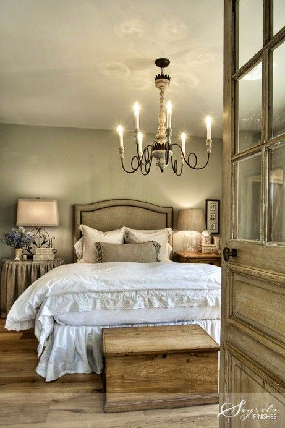 Romantic Room Designs: LOVE This Rustic AND Romantic Bedroom!