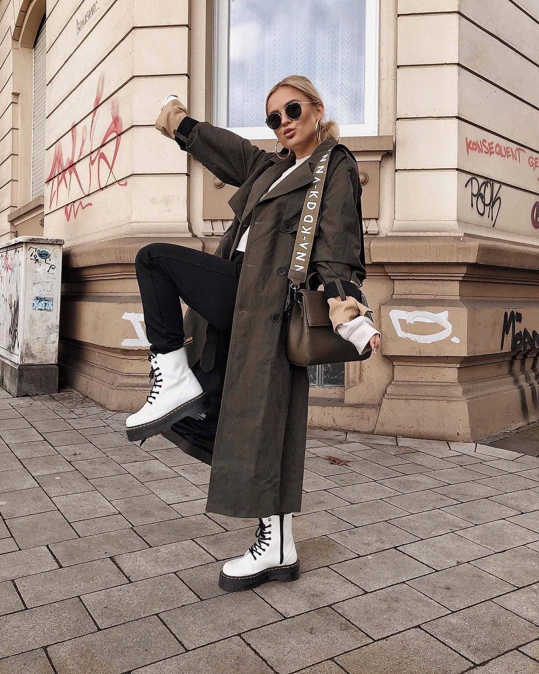 """Romina Meier su Instagram: """"Singolo e pronto a flamingle 💯😏 pubblicità perché i marchi sono riconoscibili"""""""
