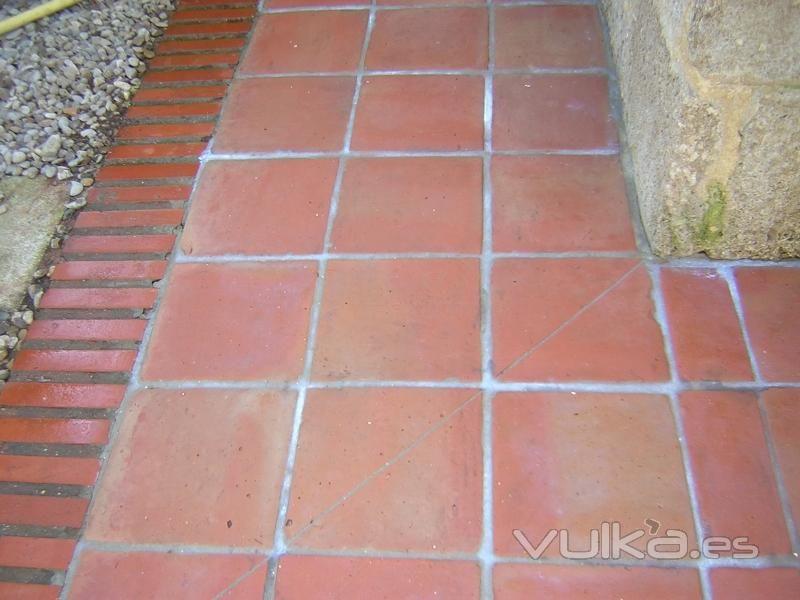 Baldosa exterior pavimento exterior en barro artesanal baldosa de exterior para pavimento de - Suelos rusticos exterior ...