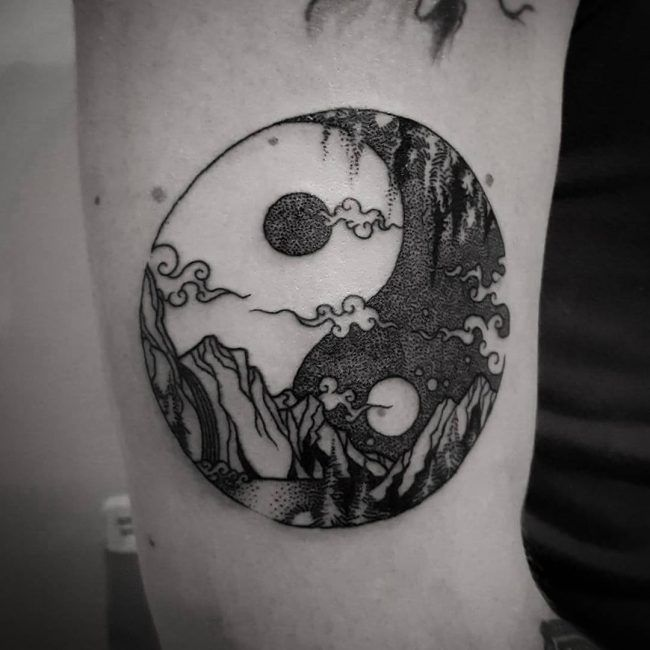 yin yang tattoos project tattoo pinterest yin yang tattoos yin yang and tattoo. Black Bedroom Furniture Sets. Home Design Ideas