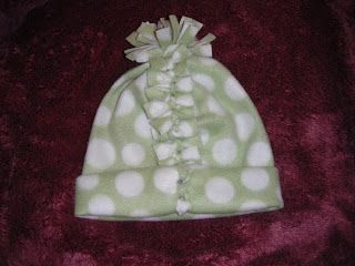 199d56955af P-ART-Y  How to make an easy no sew fleece hat and scarf