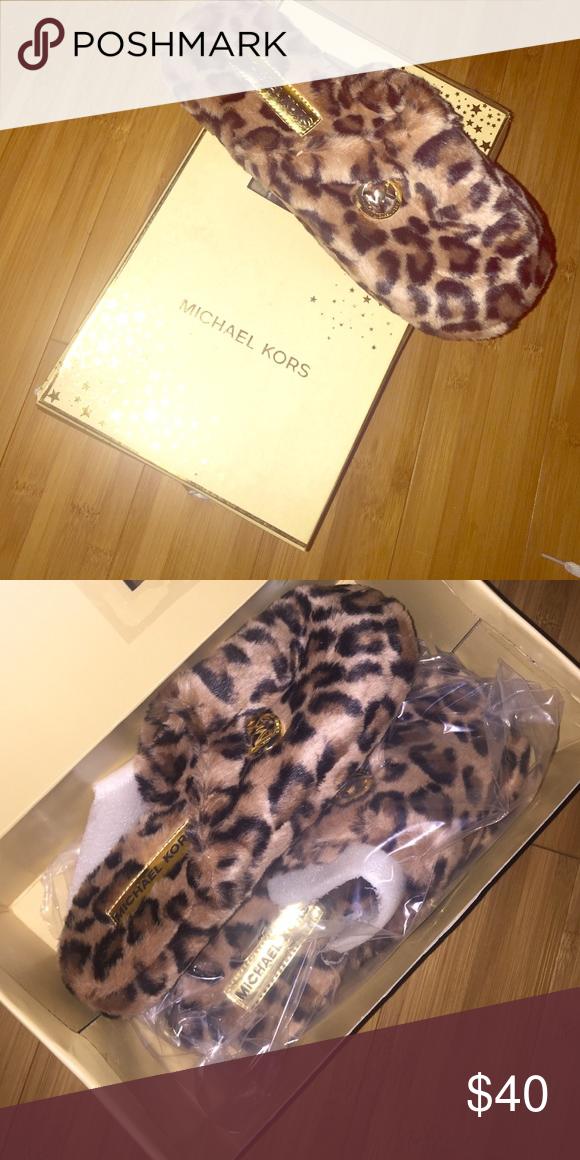 Never been worn Michael Kors slippers Leopard slippers never been worn Michael Kors size 9 Michael Kors Shoes