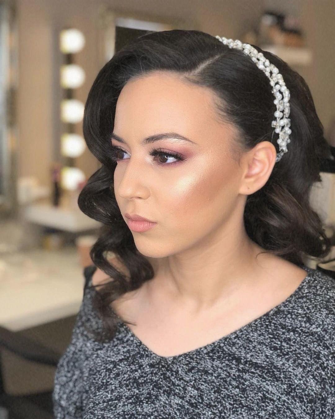 Anzeige Werbung Anzeige Werbung Bride Makeup Hair Makeupartist Bridesmaids White Dress Flowers Love Happy Fun Beauty Beaut Beautiful Hair Beauty Beautiful