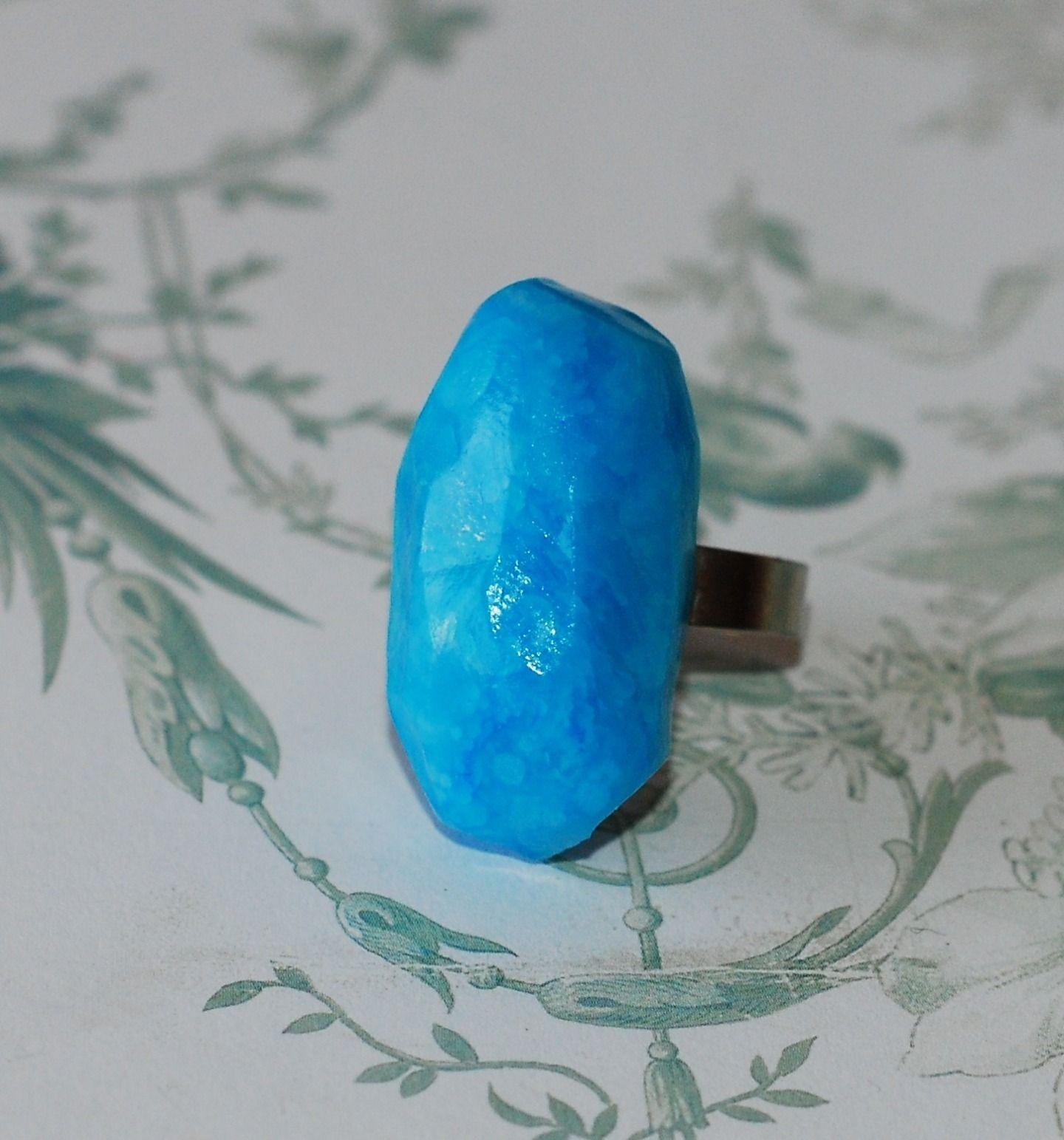 bague pierre pr cieuse bleue bague par pinkchoco. Black Bedroom Furniture Sets. Home Design Ideas