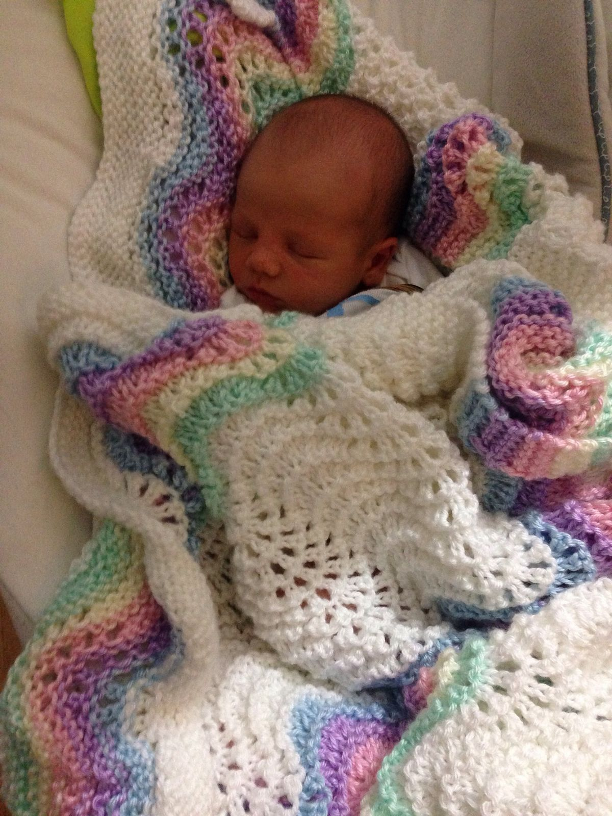 Ravelry: Feather and Fan Rainbow Baby Blanket by Cathy Waldie ...