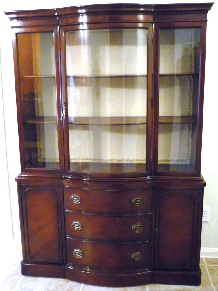 drexel heritage duncan phyfe bow front mahogany china hutch 699 original 1920 30 s 73 tall 17 deep at center and 51 wide