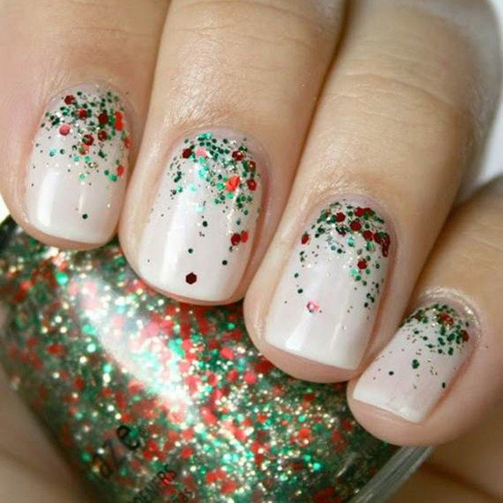 25+ Easy Christmas Nail Art Designs To Try Yourself #holidaynails