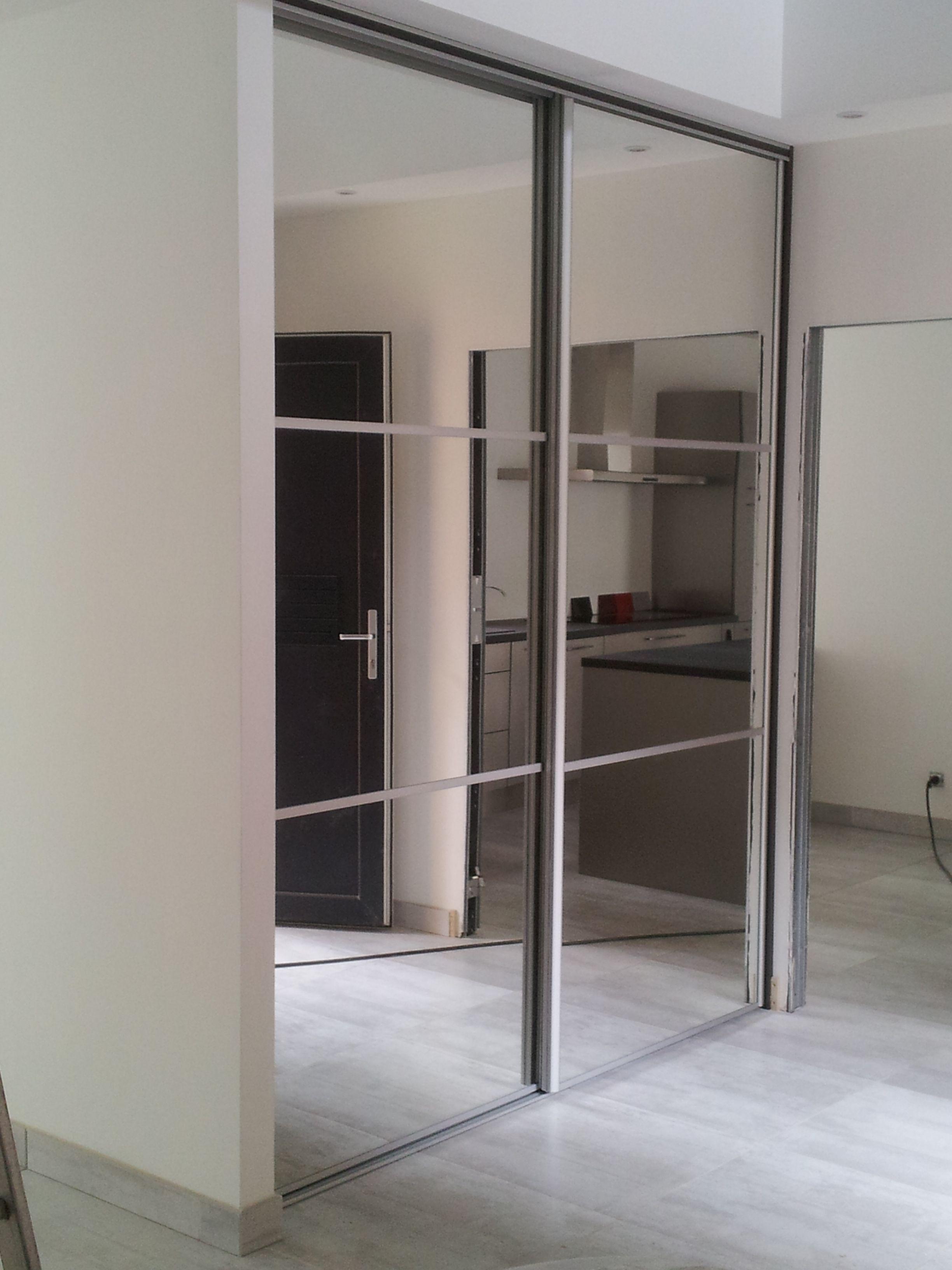 Portes Coulissantes Avec Miroirs Idee Deco Chambre Placard Chambre Placard Chambre A Coucher
