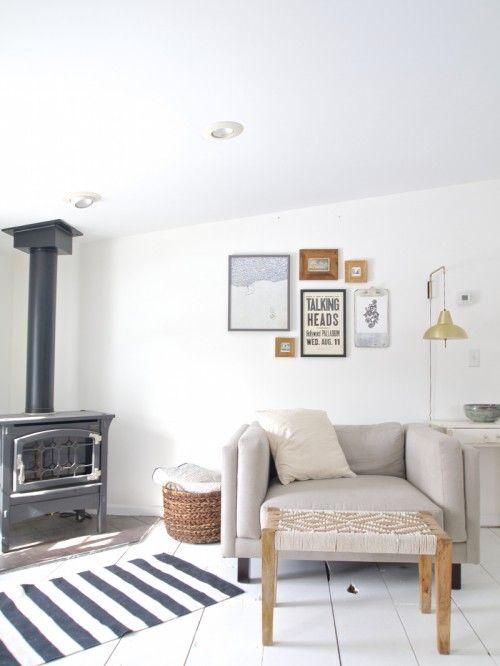 It S Not Too Surprising That This Minnesota Home Featured On De Living Room Design Inspiration Scandinavian Design Living Room Modern Rustic Decor Living Room
