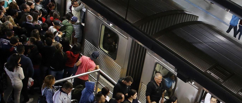 """InfoNavWeb                       Informação, Notícias,Videos, Diversão, Games e Tecnologia.  : Homem que """"espetava"""" mulheres no Metrô é solto por..."""