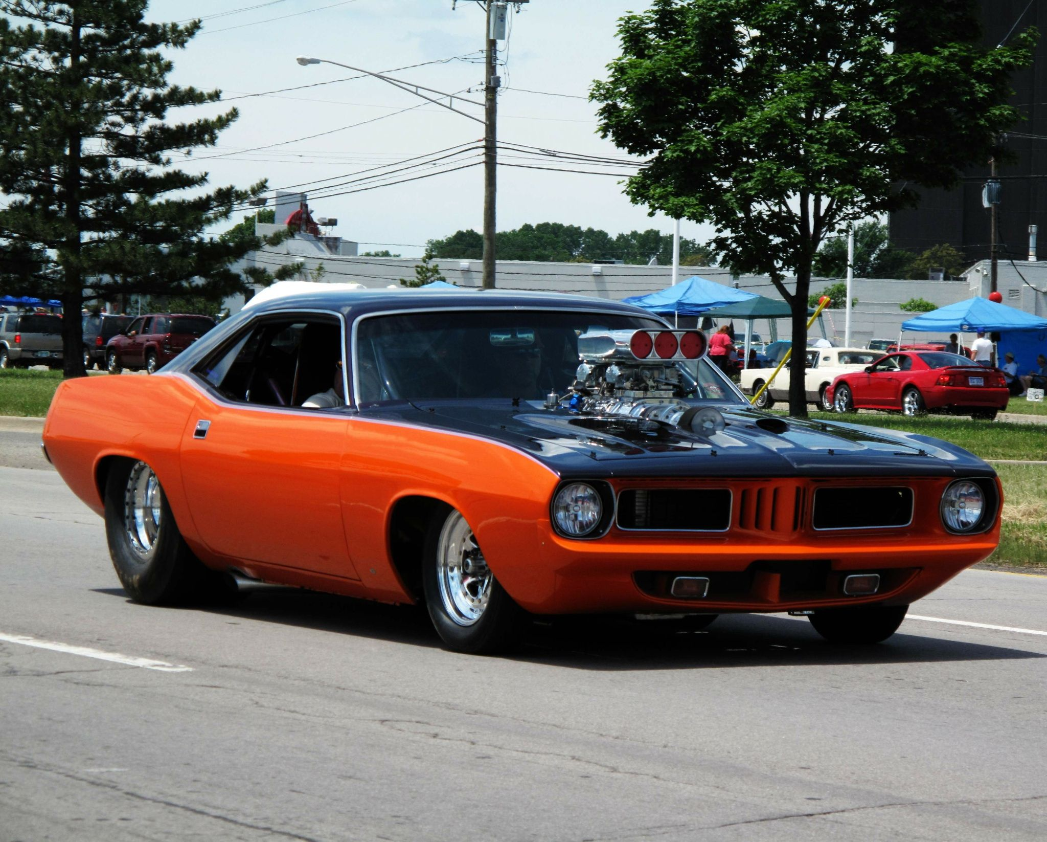Big Tired Cars--Pro Street Look In Cuda & Challenger