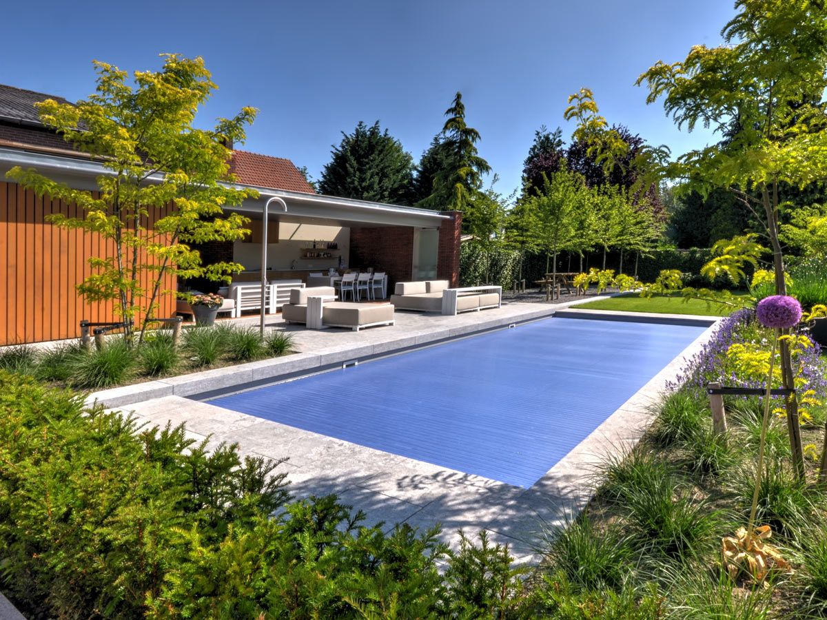 Outdoor swimming pool by vsb wellness swimming pool buiten