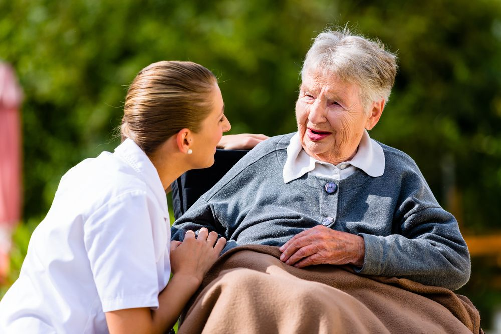 Convincing A Loved One With Alzheimer S To Move To A Nursing Home Caregiver Jobs Elderly Care Social Care