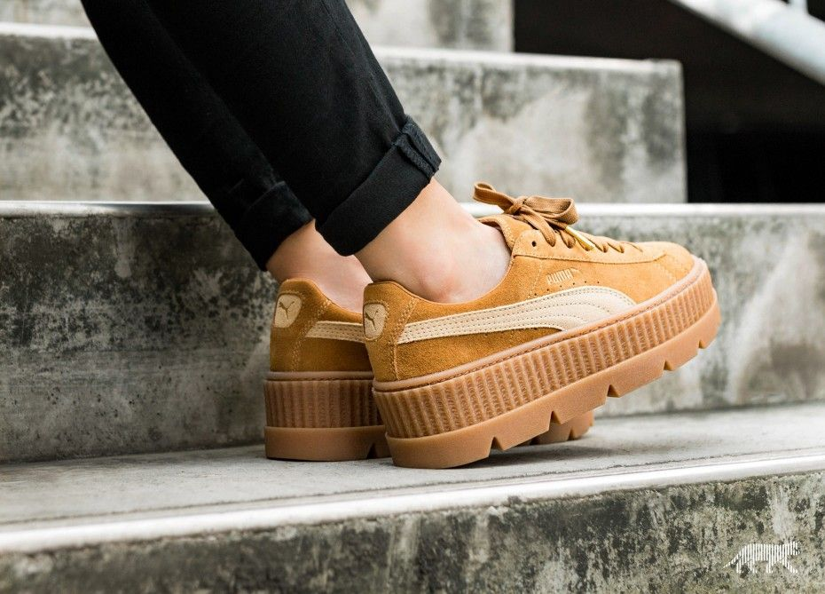 big sale 6c904 a3d36 Puma x Fenty Cleated Creeper Suede (Golden Brown / Lark ...
